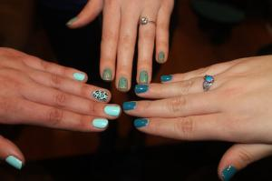 nail art, teal nail art, ovarian cancer awareness, ovarian cancer research fund, teal style